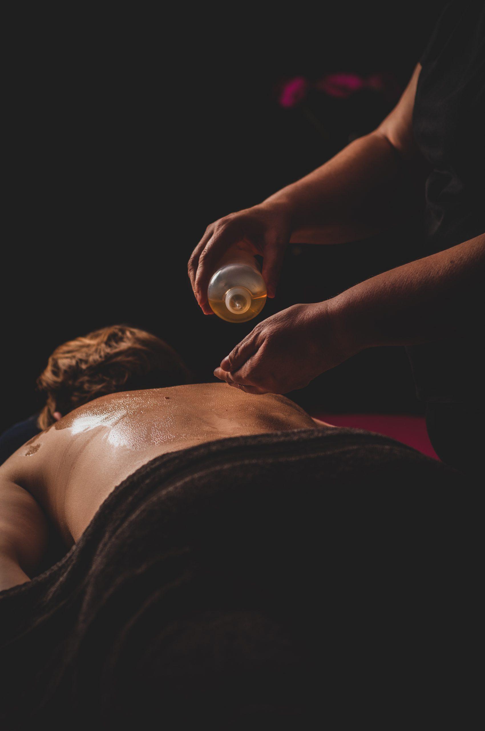 Massage met etherische olie